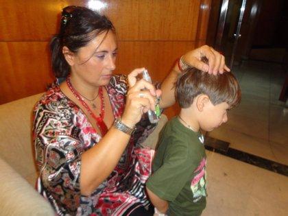 """Aislar a los niños con piojos es """"ineficaz y estigmatizante"""""""