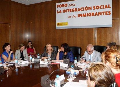 """Junta andaluza solicita al Gobierno que """"reconsidere"""" el decreto sanitario y garantice la atención a todas las personas"""