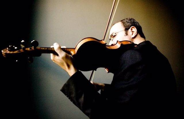 El Violinista Y Director Serbio Gordan Nikolic.