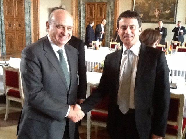 El Ministro Del Interior Jorge Fernández Díaz Y Su Homólogo Francés Manuel Valls