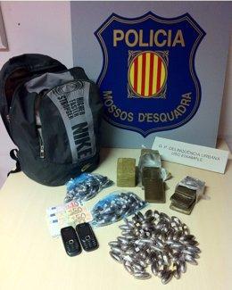 Droga Y Otros Efectos Decomisados En Barcelona