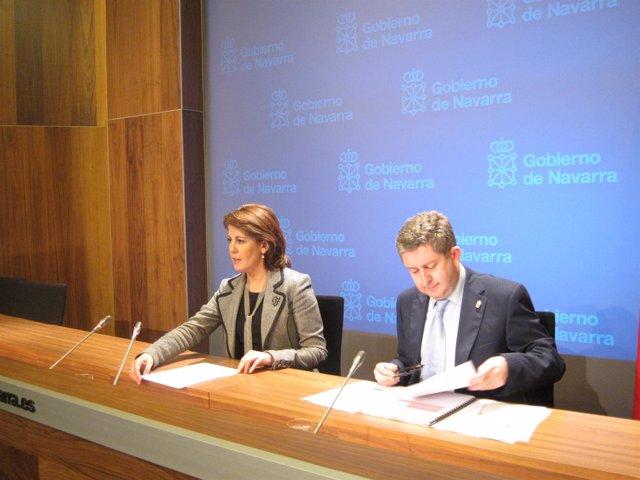 Yolanda Barcina Y El Consejero Álvaro Miranda.