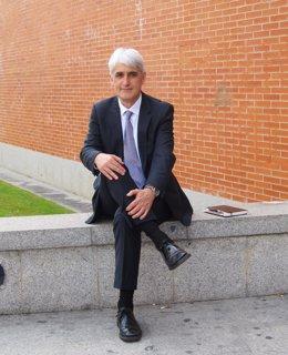 El Candidato A Rector De La UR, José Arnáez Vadillo