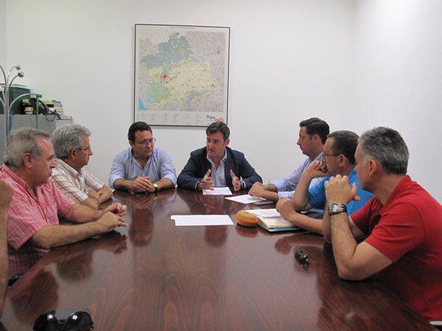 Eloy Carmona Con Los Trabajadores  De Crown.