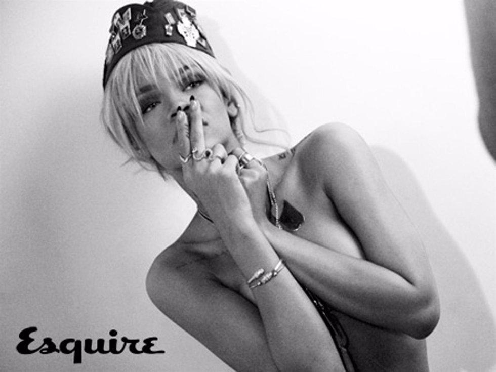 La cantante Rihanna para Esquire