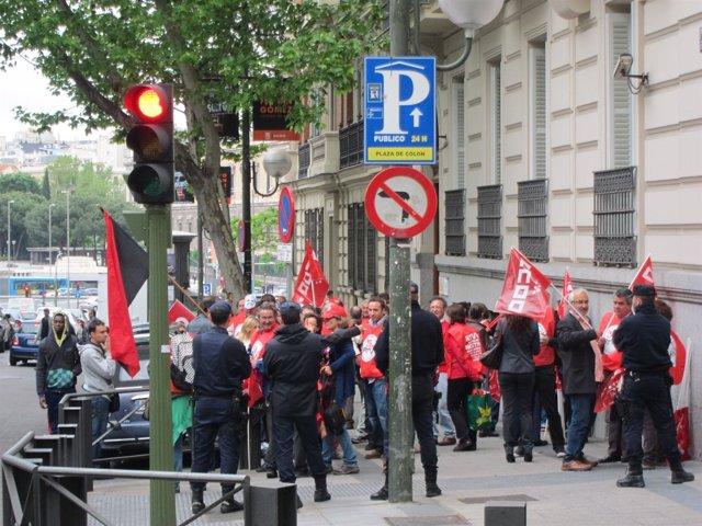 Concentración De Trabajadores De RTVV En La Audiencia Nacional