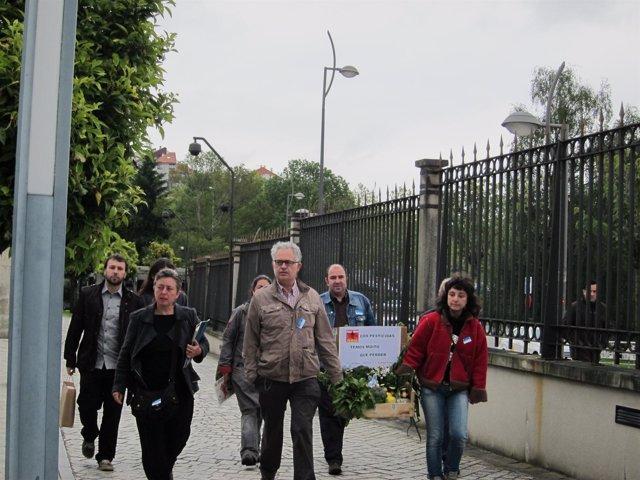 Miembros De La Plataforma Contra As Fumigacións