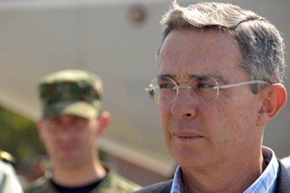Argentina/Colombia.- Encuentran una bomba en un teatro de Buenos Aires donde Uribe tiene previsto dar una conferencia