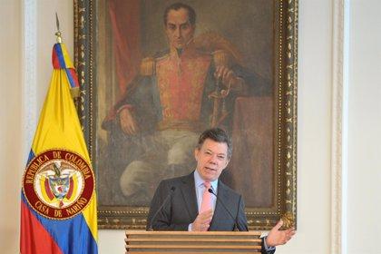 Colombia.- Santos ordena intensificar las operaciones militares contra las FARC tras el asesinato de doce militares