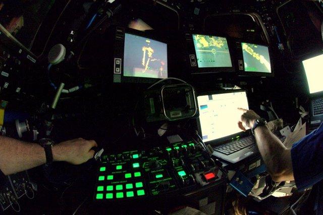 Control De Brazo Robótico En La ISS