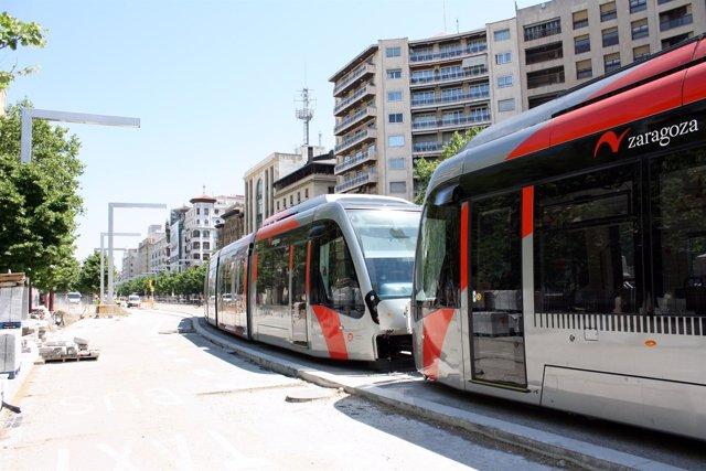 Dos Tranvías En Pruebas En Independencia