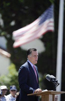 El Precandidato Republicano A La Presidencia De EEUU Mitt Romney