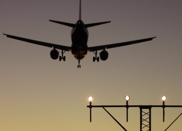 Avion Noche