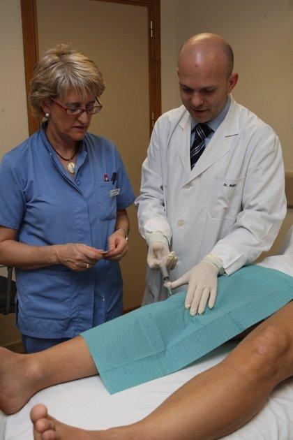 Expertos ensayan con células madre de la médula ósea para el tratamiento de la artrosis de rodilla