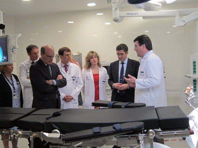 López En El Área Quirúrgica De Neurociencias De Cruces