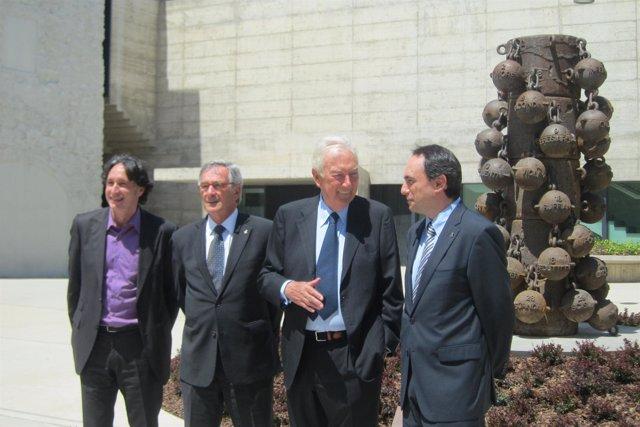 La FundaciónVila Casas dona una escultura de Jaume Plensa