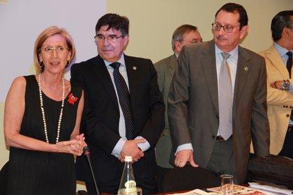 Dentistas señalan a Rosa Díez la necesidad de crear especialidades y de que la salud bucodental sea universal y gratuita