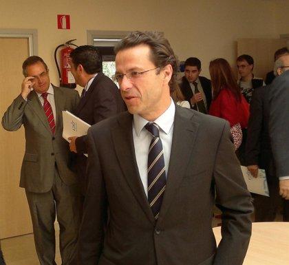 """Lasquetty dice que la huelga de médicos será """"injustificada"""" si se mantiene después de las enmiendas del PP"""