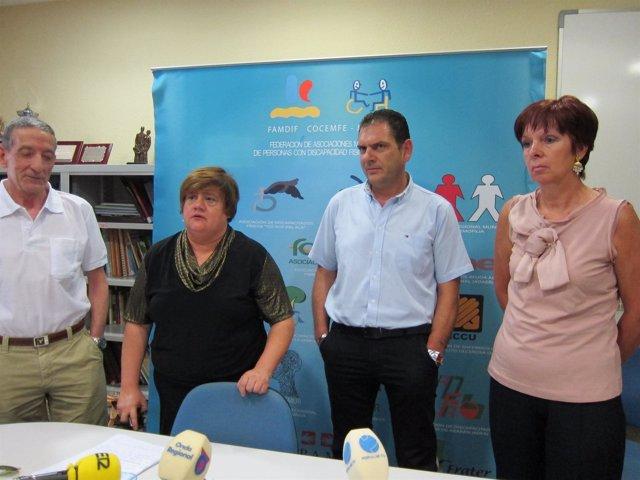 Miembros De FAMDIF, En La Rueda De Prensa