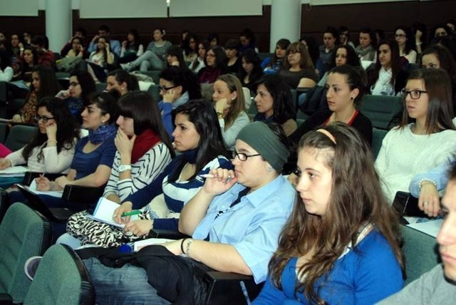 Alumnos, Universitarios, Estudiantes