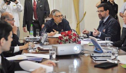 Los exministros del gabinete de Lugo anuncian una minicumbre