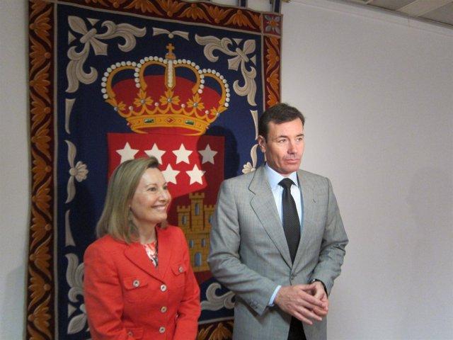 Gómez En Rueda De Prensa En La Asamblea