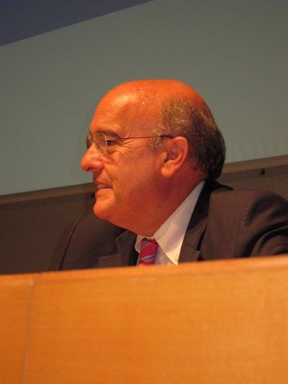 Boi Ruiz desvincula los problemas técnicos de las farmacias del euro por receta