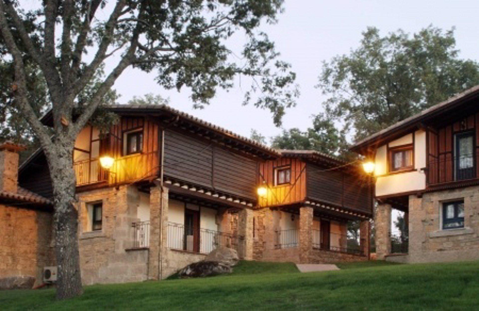 Candeleda aldeaduero y la alberca se convierte en 39 pueblo for Imagenes de la alberca salamanca