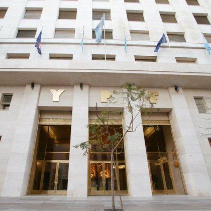 Argentina.- Repsol reclama a YPF la devolución inmediata de un préstamo de 125 millones de dólares