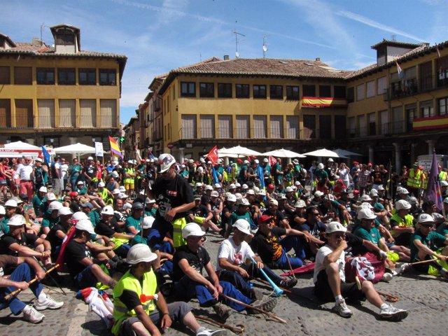 Los Mineros En La Plaza Mayor De Tordesillas