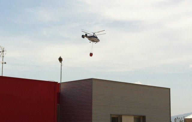 Helicóptero Sobrevolando El PMA De Yátova (Valencia)