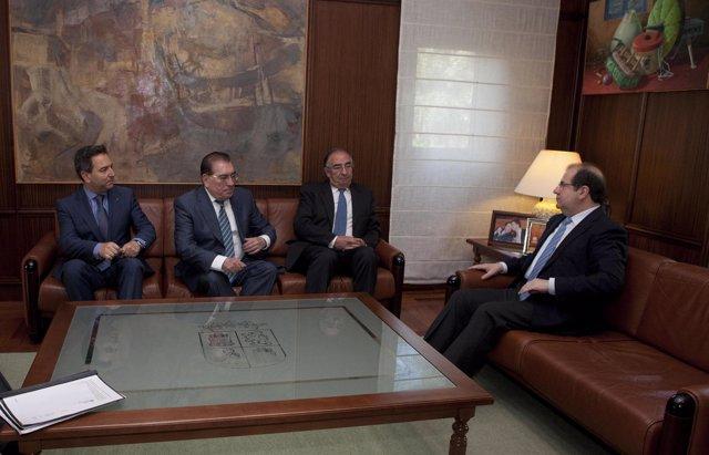 Herrera y los miembros de Caja3 e Ibercaja