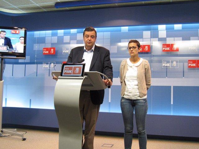 Los socialistas Juan José Lizarbe y María Chivite.
