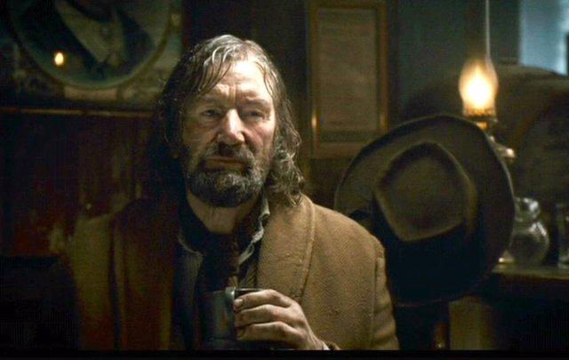 Clive Russell en El hombre lobo