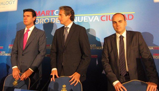 El alcalde de Santander, Íñigo de la Serna, con José Manuel Soria