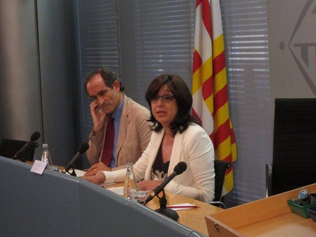 El Doctor Carles Ariza Y La Delegada De Salud Del Ayto Cristina Iniesta