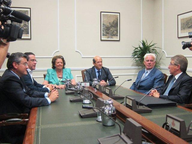 Barberá y Llorente presiden la reunión entre el Ayuntamiento y el Valencia