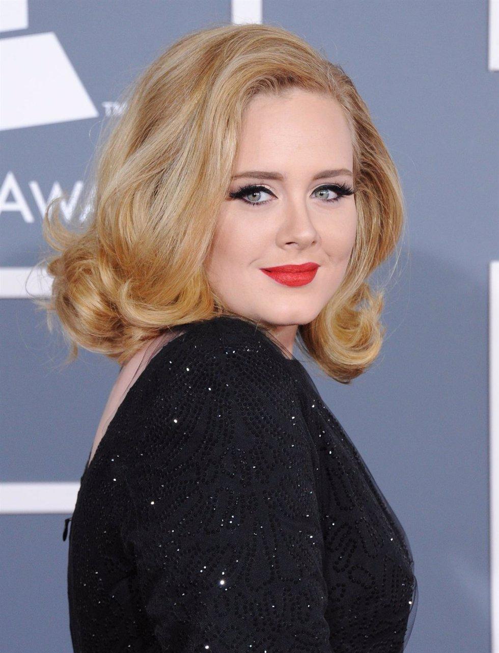 Adele Posa En Los Premios GRAMMY 2012