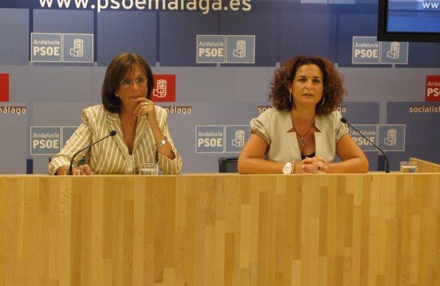 Remedios Martel y Pilar Serrano en rueda de prensa