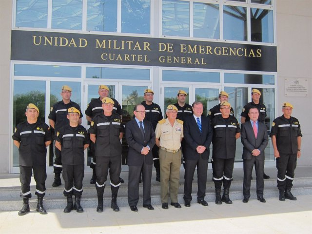 Silván visita la UME de Torrejón.