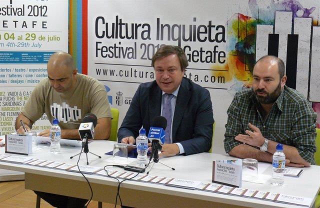 Soler (alcalde de Getafe en el centro), junto Martínez y Yuste