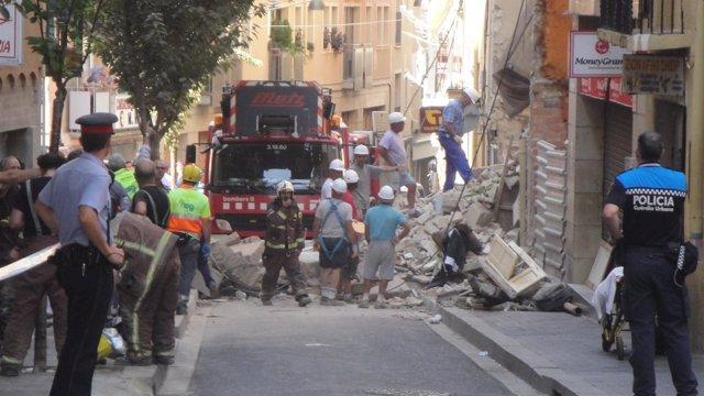 Derrumbe De Un Edificio En La Calle Tallada De Lleida