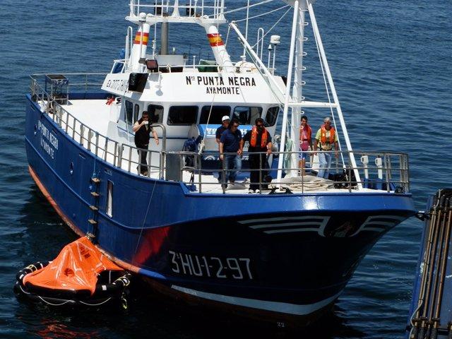 Buque de Salvamento Marítimo en el Guadiana.