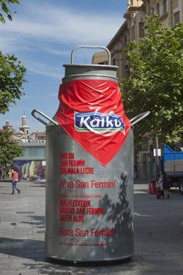 Kaiku instala en Pamplona una marmita gigante de 400 kilos.