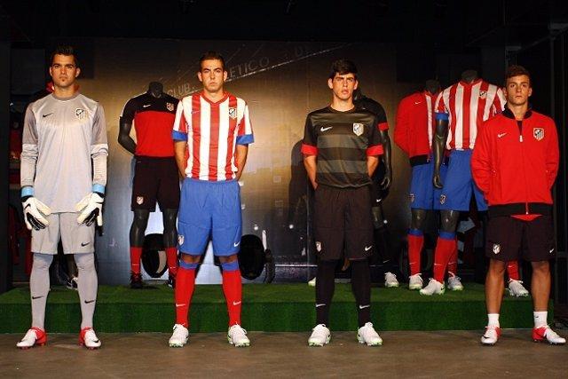 El Atlético presenta sus nuevas camisetas