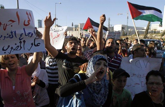 Concentración palestina en Cisjordania contra los acuerdos de Oslo con Israel