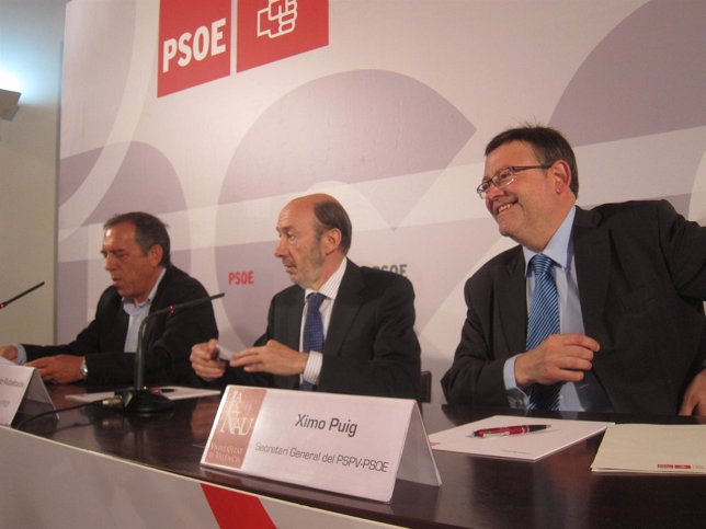 Rubalcaba Junto A Ximo Puig Y Miquel Soler