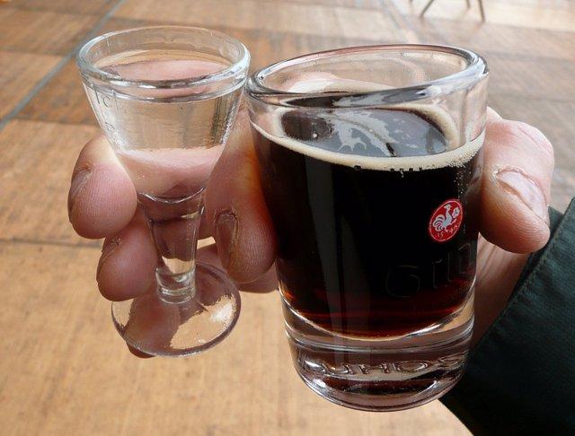 Alcohol, adicciones, conducta adictiva
