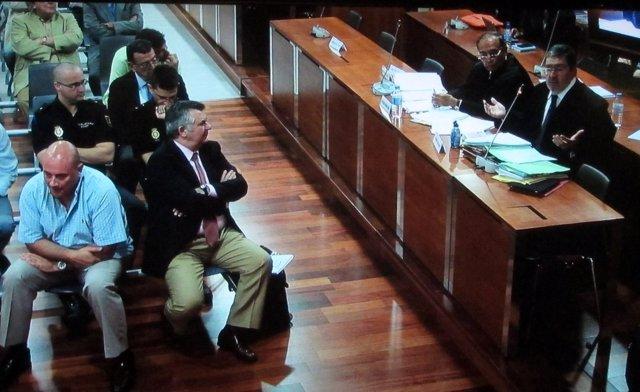 Acusados y abogados en el caso 'Malaya'