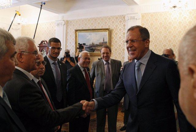 Lavrov, ministro de exteriores ruso, se reune con la oposición siria en Moscú